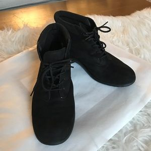 Easy Spirit Black Leather Suede Lace Up Booties